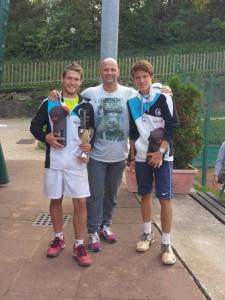 Markus Sanoll und Anderlan Anton mit Sportvereinsobmann Kurt Chistè
